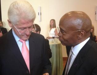 CCD President Everette Freeman meets President Bill Clinton