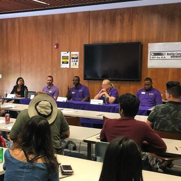 CCD faculty gave great advice on how to be a successful student at  the new student Pathway Party for Business & Public Administration.
