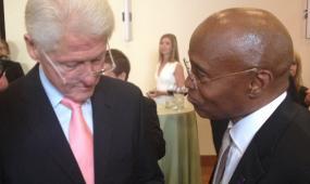 CCD President Everette Freeman meets President Bill Clinton